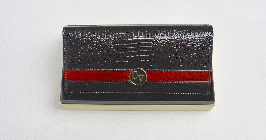 Cavaldi női bőr pénztárca lakk fekete + piros színben 5d4382d60a